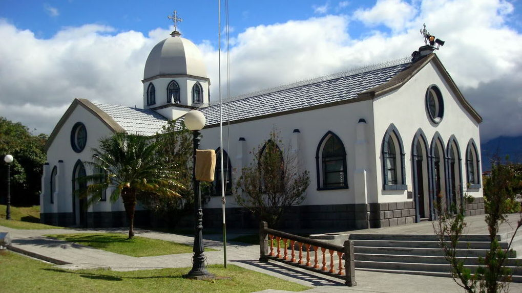 Pueblo Antiguo church