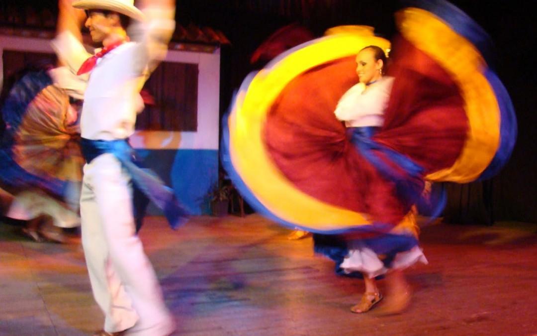 Traditional dancing in Pueblo Antiguo